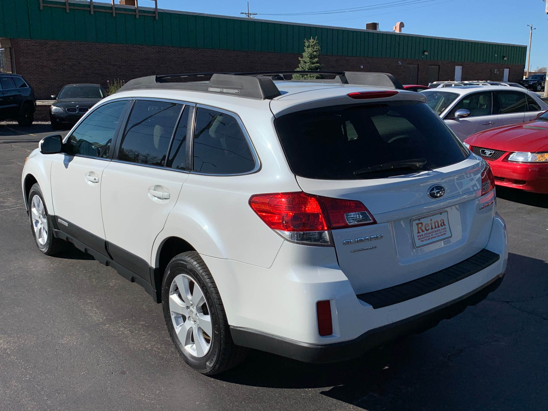 Used-2010-Subaru-Outback-25i-Limited-AWD