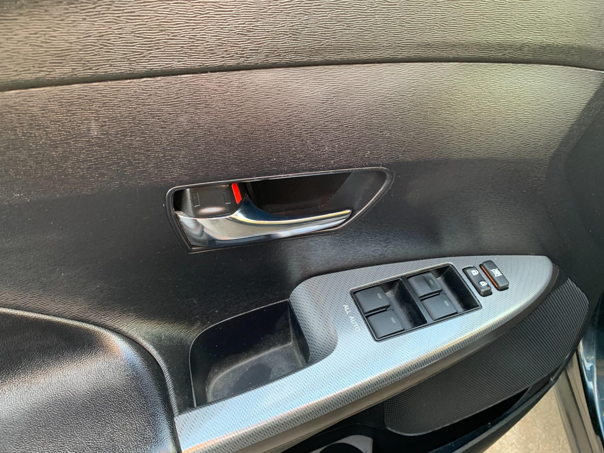 Used-2013-Toyota-Venza-LE-AWD