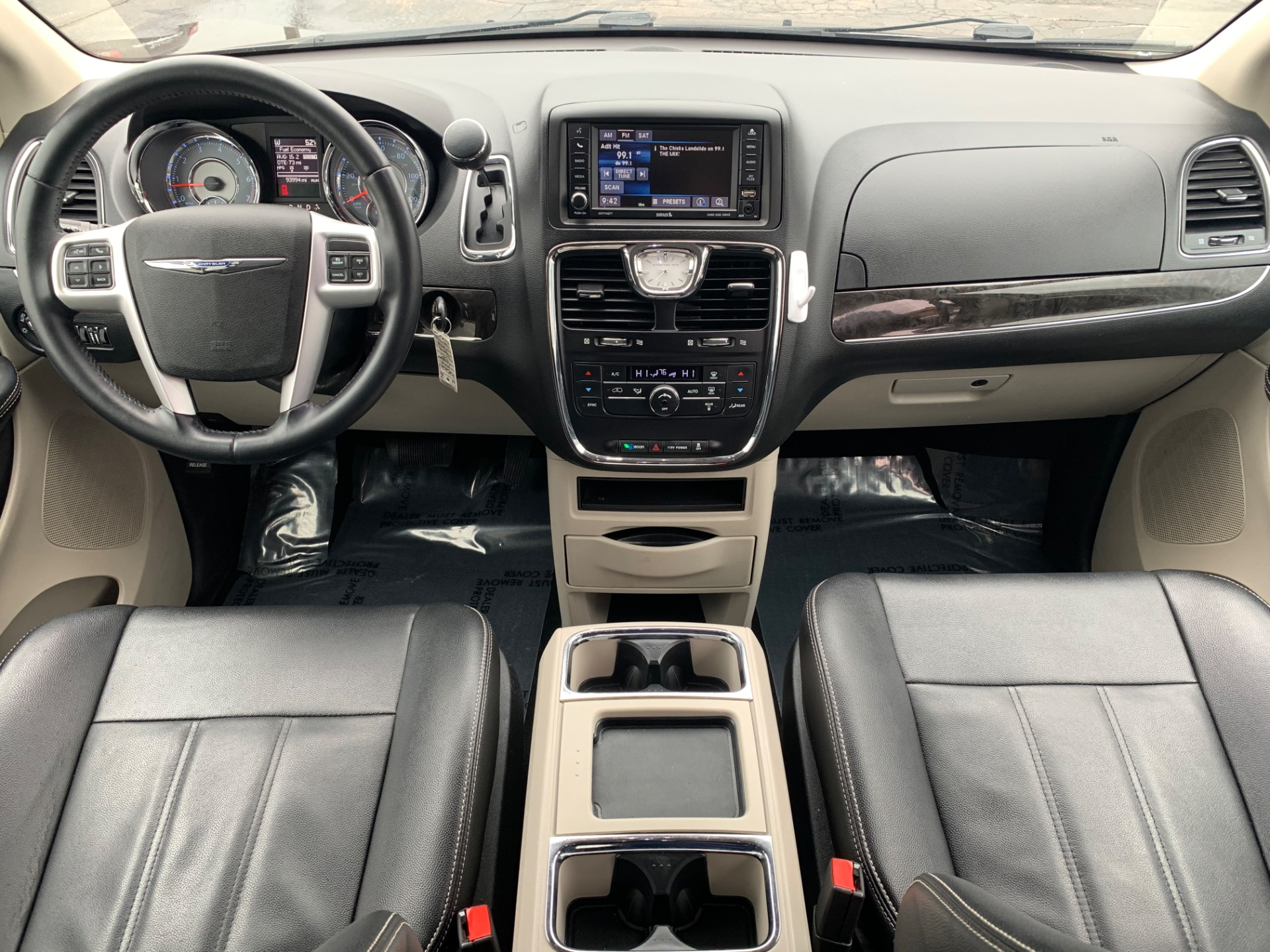 Used-2016-Chrysler-Town-and-Country-Touring