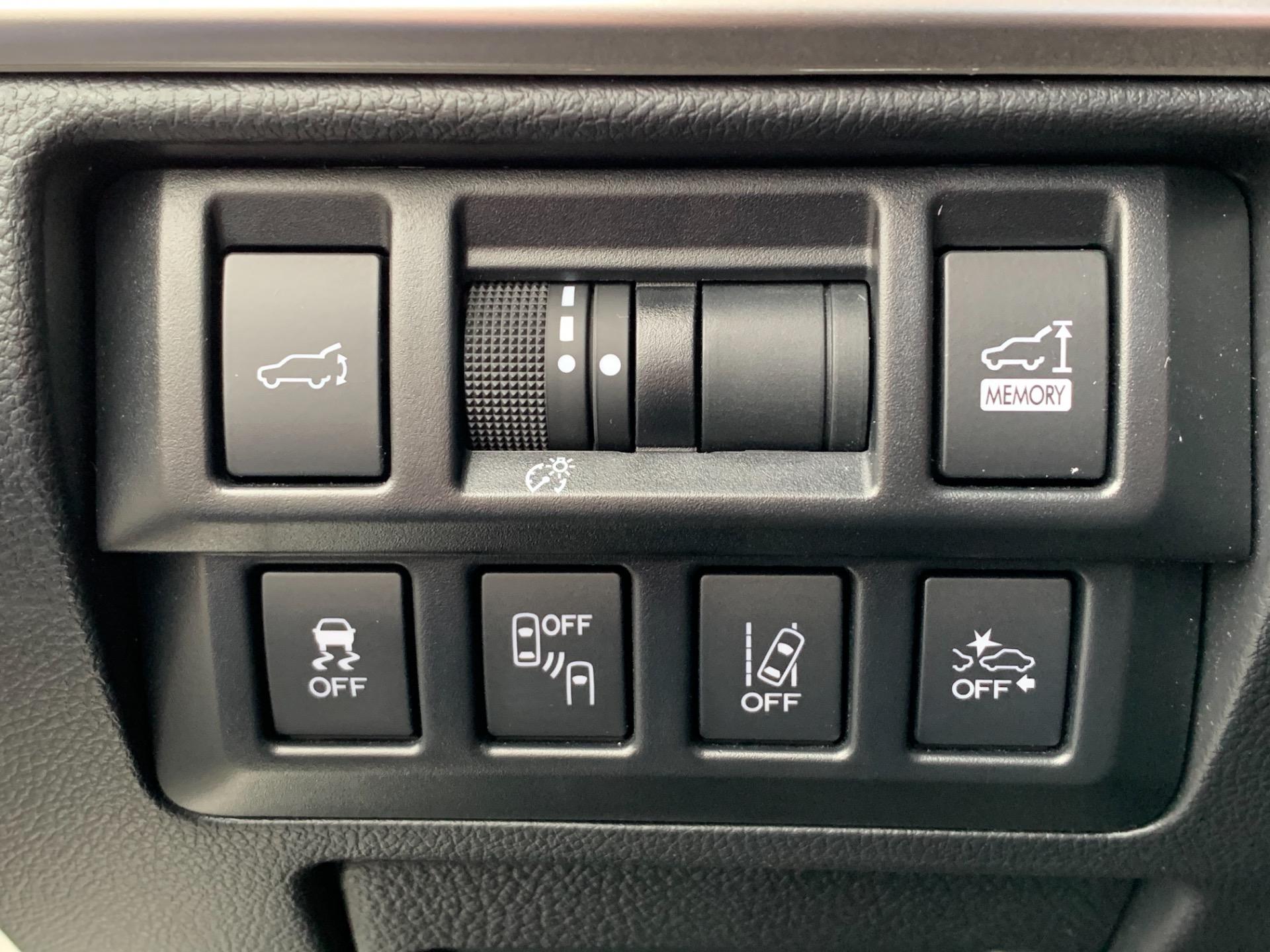 Used-2018-Subaru-Outback-25i-Limited-AWD-W/-Adaptive-Cruise