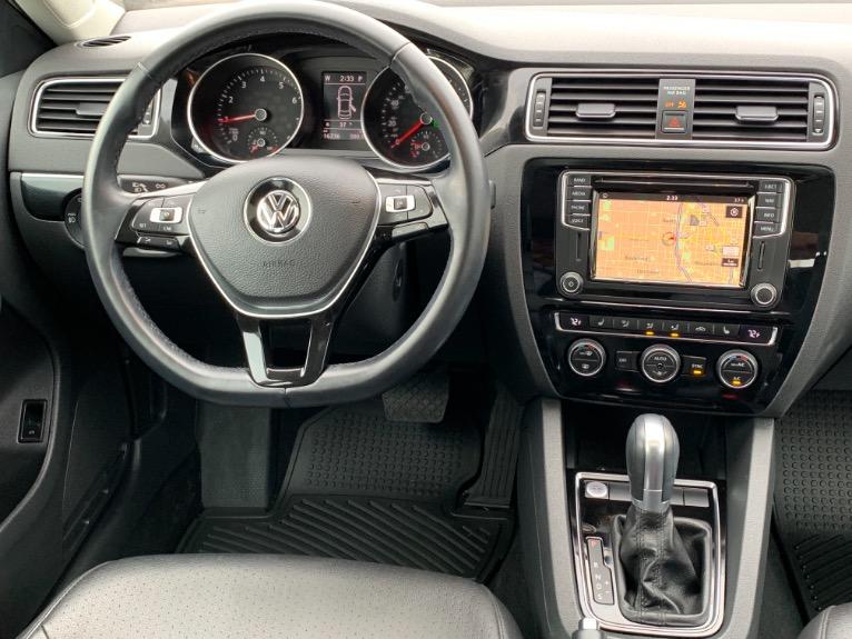 Used-2017-Volkswagen-Jetta-18T-SEL