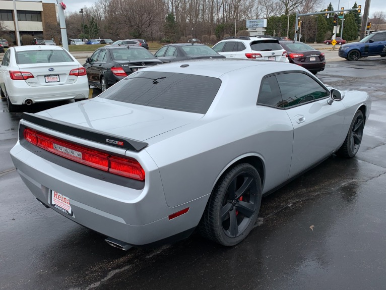 Used-2010-Dodge-Challenger-SRT8