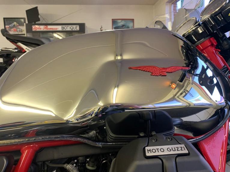 New-2020-Moto-Guzzi-V7-III-Racer-10TH-Anniversary-Ed