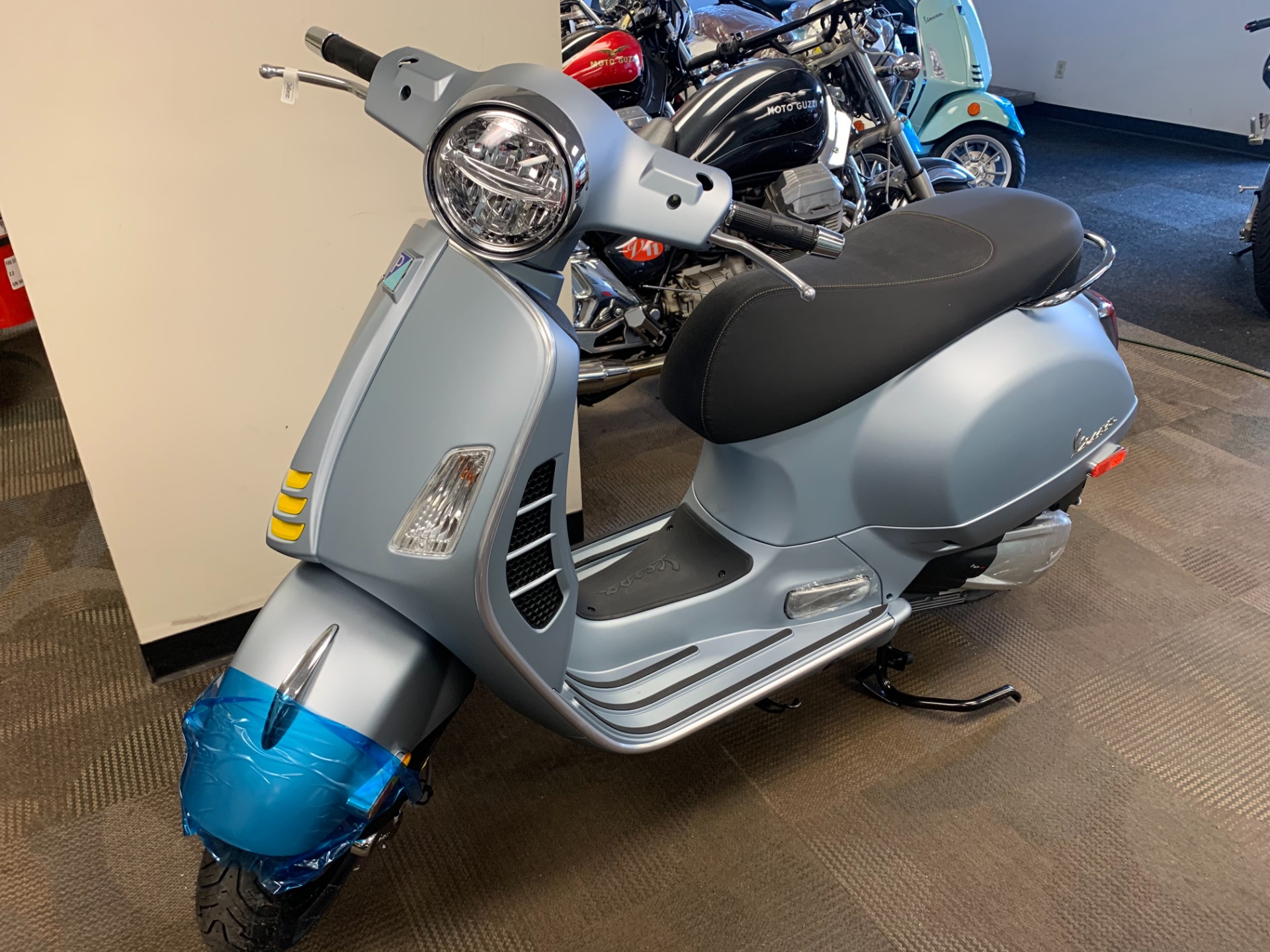 New-2021-Vespa-GTS-Supertech--300-HPE