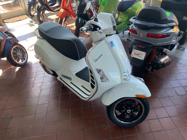 New-2021-VESPA-GTS-SUPER-300-HPE