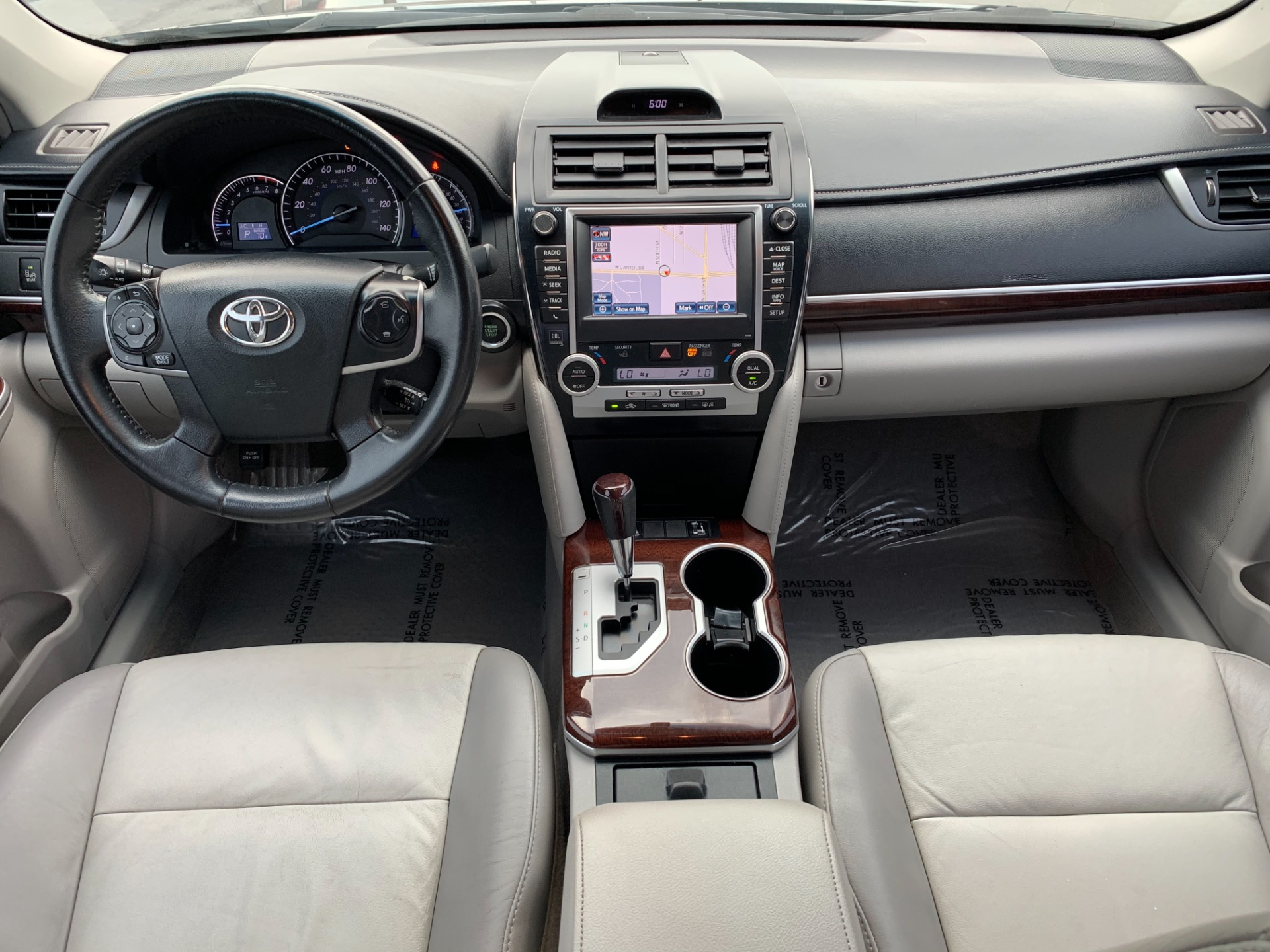Used-2014-Toyota-Camry-XLE-V6