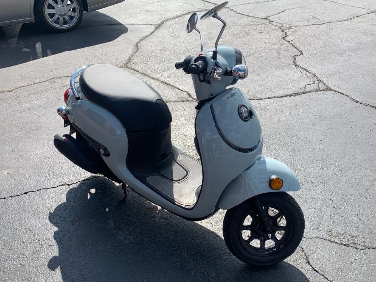 Used-2022-Honda-METROPOLITON