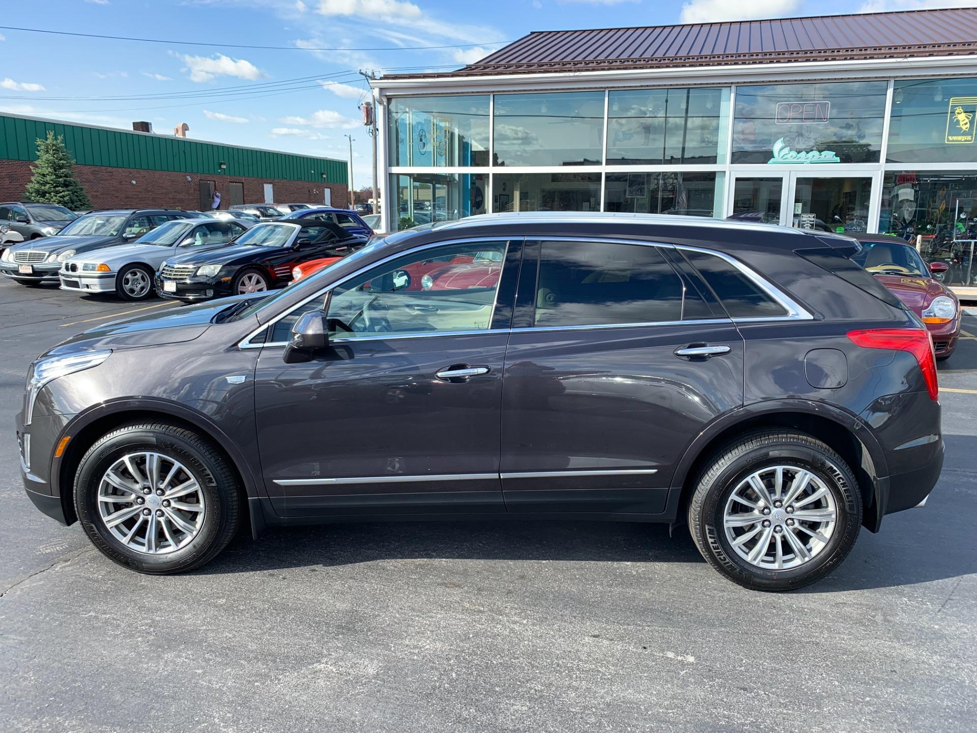 Used-2018-Cadillac-XT5-Luxury-W/-Adaptive-Cruise