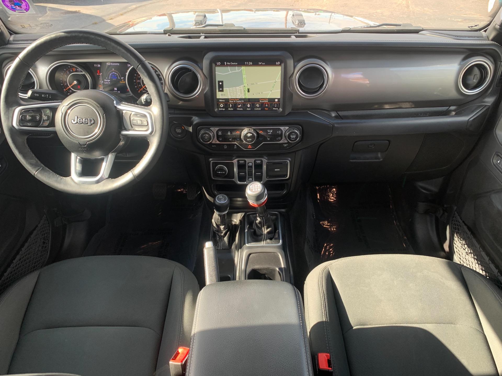 Used-2018-Jeep-Wrangler-Unlimited-Sahara-4x4